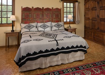 lakeview-suite-bed