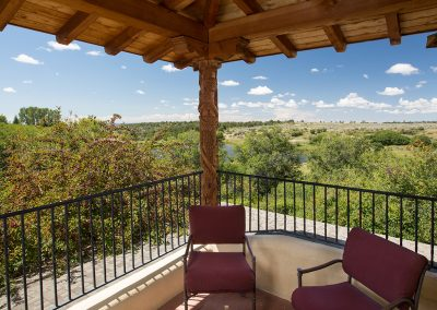 lakeview-suite-patio-view
