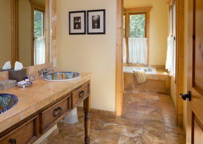 springhouse-upper-2nd-bath